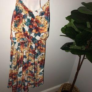 Dresses - Floral summer dress size medium